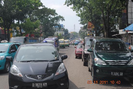 Hotel Jelita Parahyangan: main street of jelita hotel