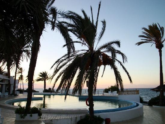 Grand Hotel : la piscine