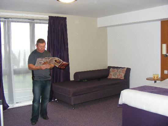 Premier Inn Torquay Hotel: huge room