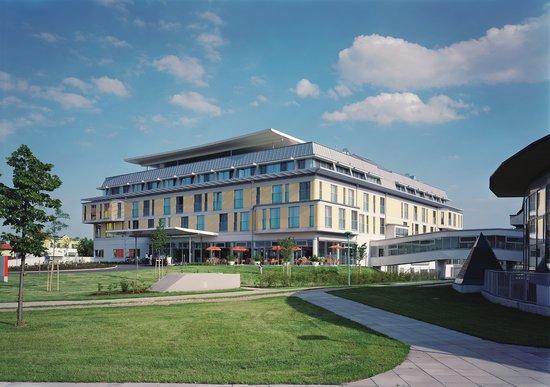 Lutzmannsburg, Österreich: Das ****Hotel Sonnenpark ist ein topmodernes Familien-Gesundheits-Hotel