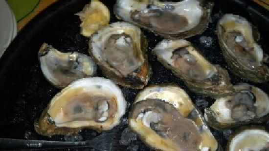 Speckled T's: Oysters on the half shell