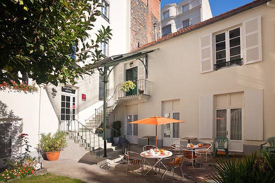 Photo of Hotel de Naples Vichy