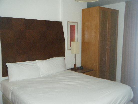 Premier Suites: Bedroom