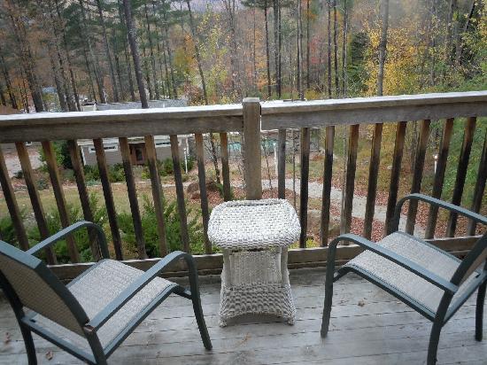 Christmas Farm Inn & Spa: small deck to relax on.