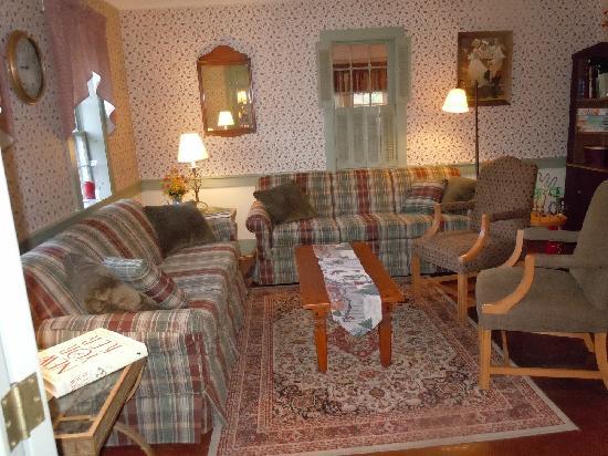 Christmas Farm Inn & Spa: Sitting area in the Main Inn
