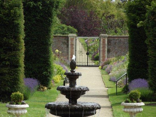 Festina Lente Equestrian Centre & Walled Gardens : Walled Gardens