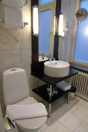 Elite Hotel Arcadia: toilet