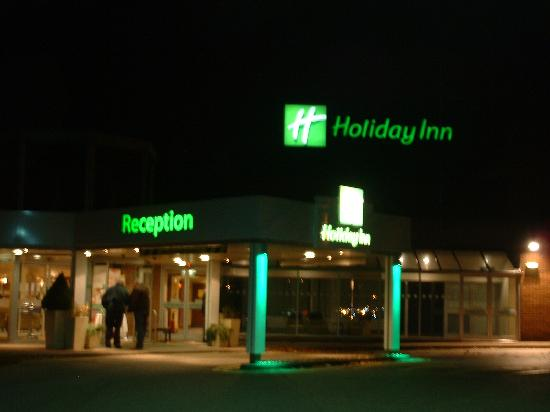 Holiday Inn Norwich: Night Time View
