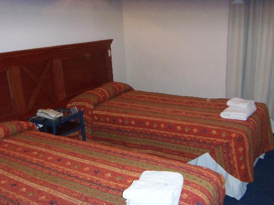 Hotel Santa Cruz: habitacion