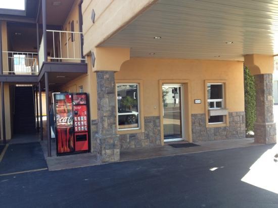 Americas Best Value Inn - Downtown Phoenix: office