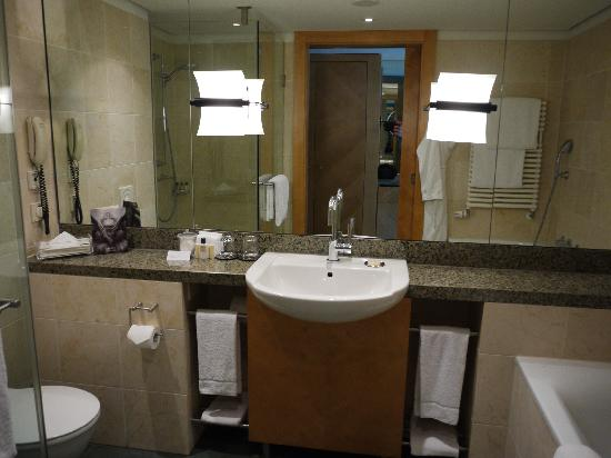 Hyatt Regency Mainz: Bathroom