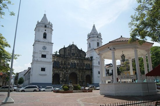 Isthmus Travel Panama: Chatedral of Panama in Colonial Panama