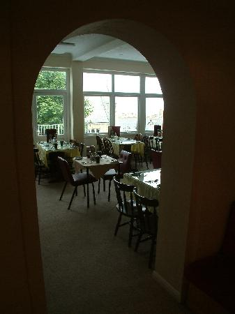 The Quies: enter dining room