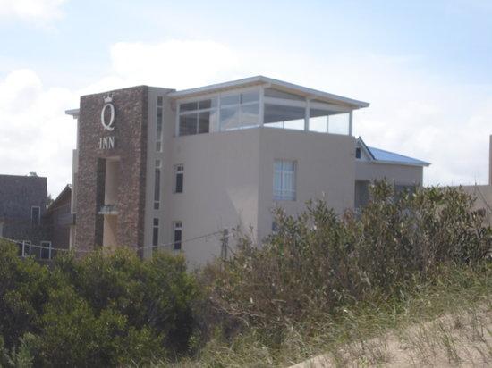 Q Inn Apart Hotel & Spa: Desde la playa