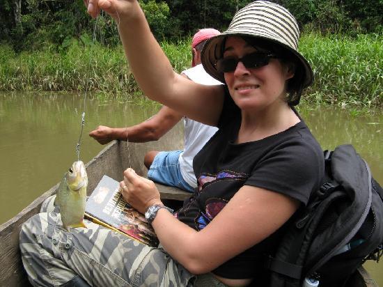 Bataburo Lodge : Catching piranha