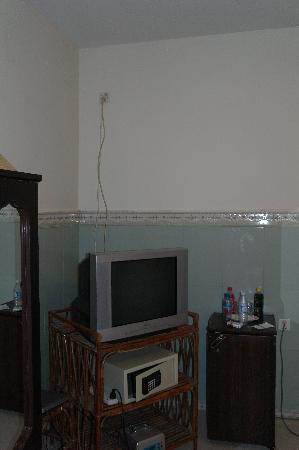 โรงแรมคูลาบาห์: розетка под потолком
