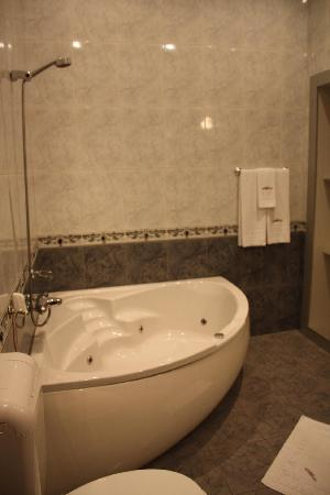Atlantic Hotel : baño
