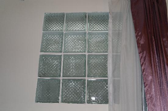 โรงแรมคูลาบาห์: окно в мир