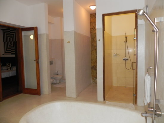 Weligama Bay Resort : Suite Room