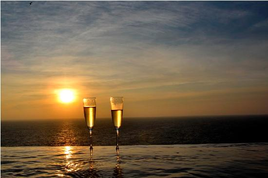 Banyan Tree Cabo Marques: Romantic sunset on the private pool