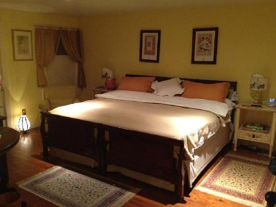 La Toscana di Carlotta: Great Bed