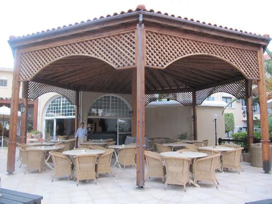 The King Jason Paphos : Pool area