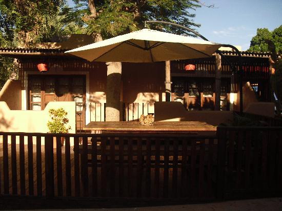 Hotel 1697 Loreto : Deck area on square