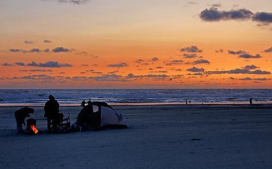 Ocean Front Motel: Nach Sonnenuntergang am Strand