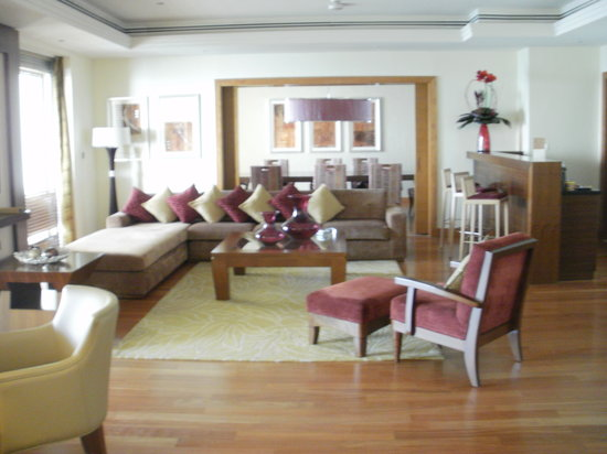 Mövenpick Hotel Jumeirah Beach: Royal Suite