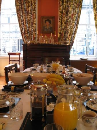 14 Hart Street: what a spread! the breakfast room.