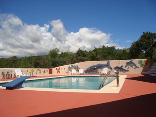 Boquete River Inn : heated 40' X 20' pool - view to Volcan Baru