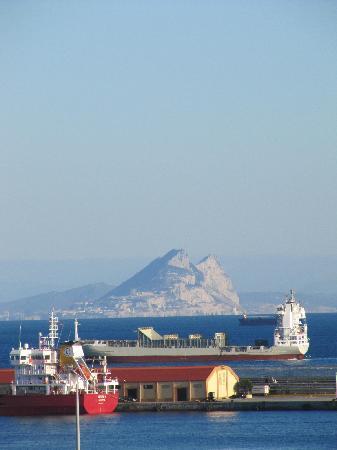 Parador de Ceuta : Vista sulla rocca di Gibilterra dalla finestra