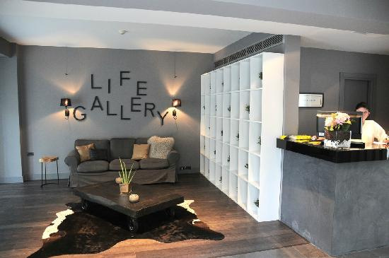 Life Gallery Hotel