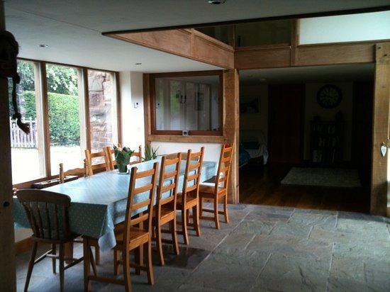 Stowfield Barn : Dining overlooking beautiful scenery