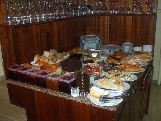 Şebnem Hotel: Buffet 1