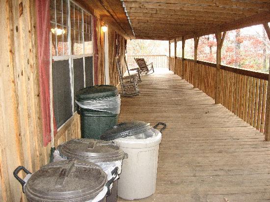 Backhome Log Cabins: wrap around porch