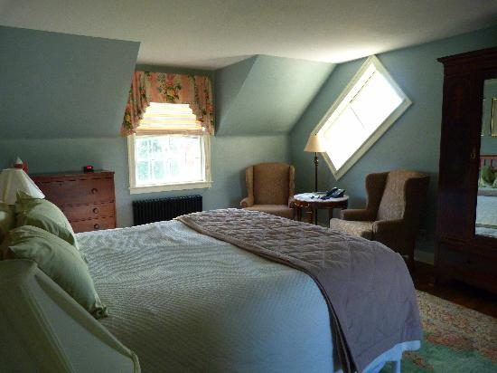 1824 House Inn: bedroom