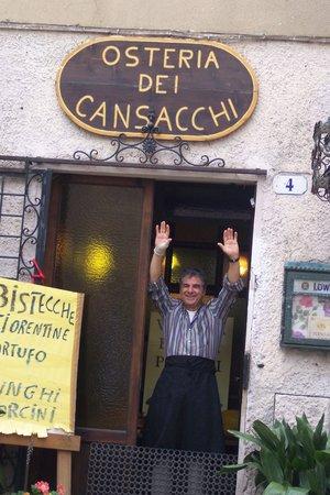 Osteria Dei Cansacchi: Alberto, the owner.