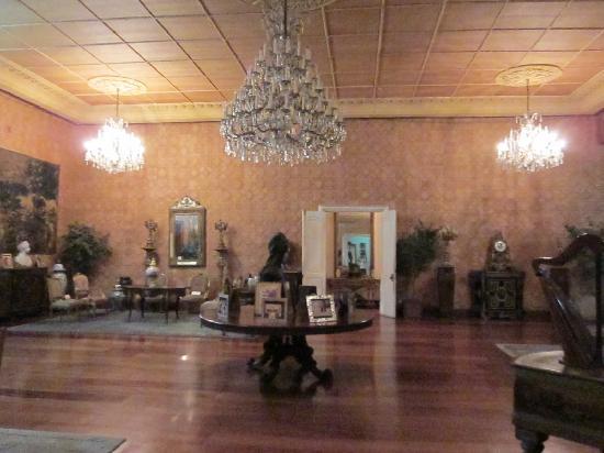 Sto. Nino Shrine and Heritage Museum: the sala
