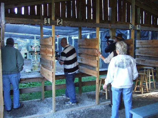Murphy, NC: Paintball shooting range