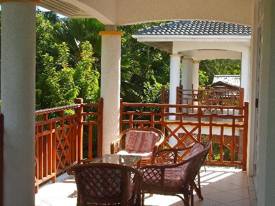 Ocean Jewels Resort: Balcony off bedroom