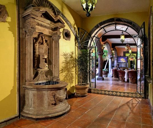 Hotel Mansion Virreyes: Entrada Restaurante