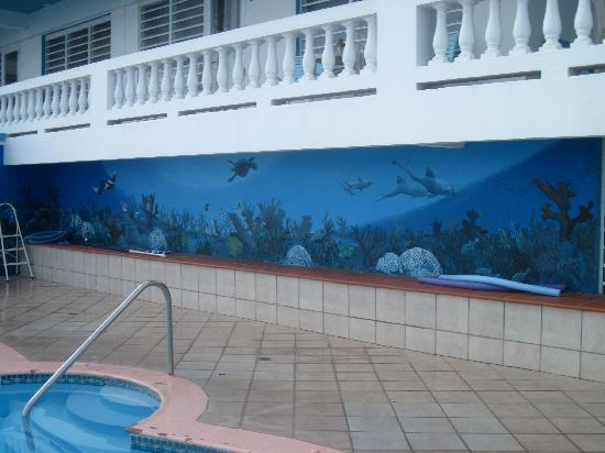 ‪‪Casa La Lanchita‬: mural at the pool‬