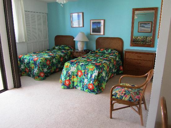 Royal Waikiki Condos: Bedroom
