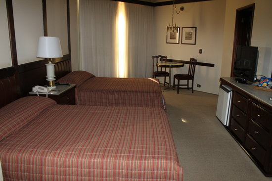 Bourbon Cataratas Convention & Spa Resort: Roomy sleeping area