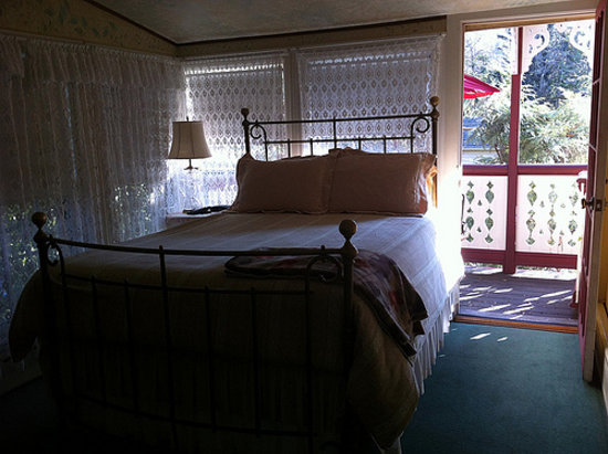 New Hope's 1870 Wedgwood Bed and Breakfast Inn: garden room at Umpleby