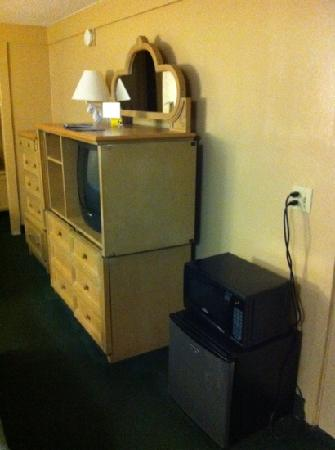 Knights Inn Maingate: Tv and micro wave