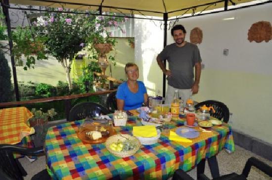 I Colori Del Sole: Breakfast time