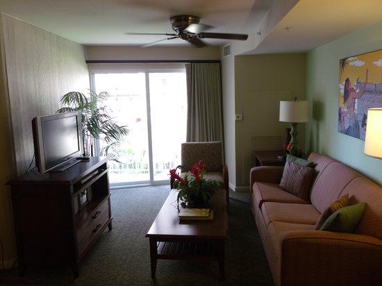 Wyndham at Waikiki Beach Walk: living room