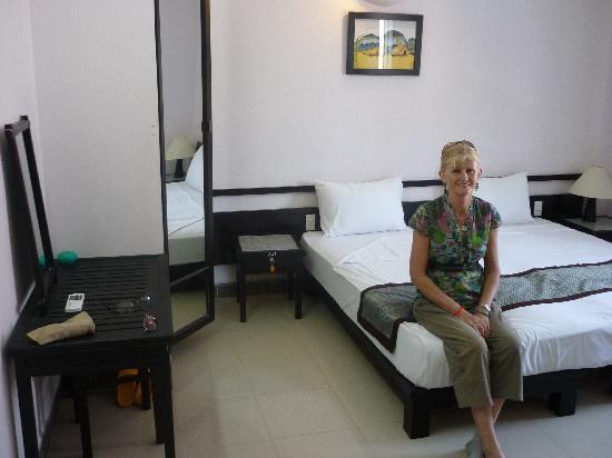 An Hoi Hotel: Ann Hoi Hotel room 2010